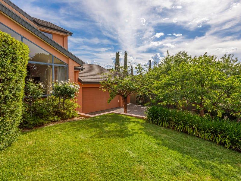 4 Teak Place, Jerrabomberra, NSW 2619