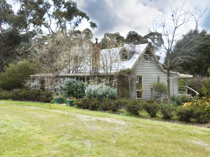 172 Rileys Road, Snake Valley, Vic 3351