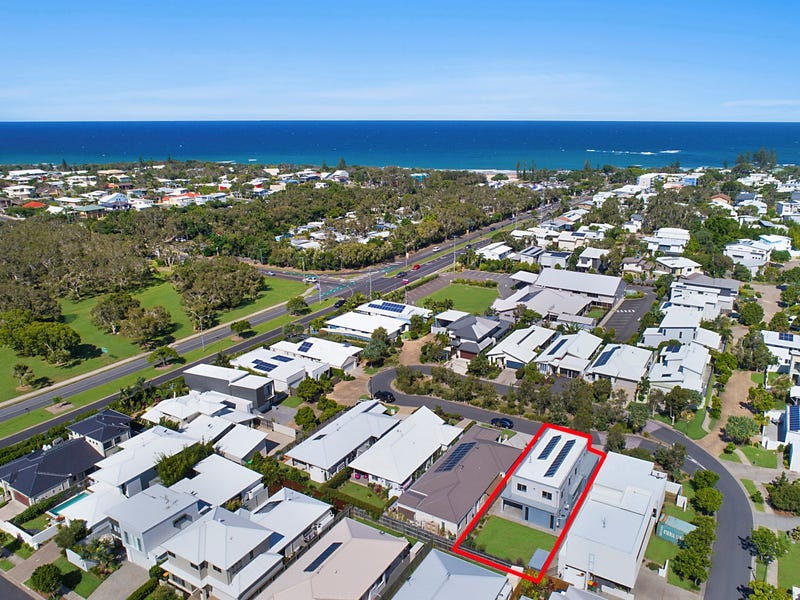 5 Foreshore Court, Dicky Beach, Qld 4551
