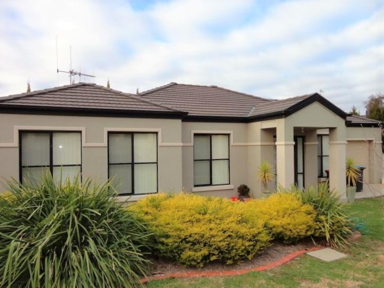 13 The Terrace, Strathdale, Vic 3550
