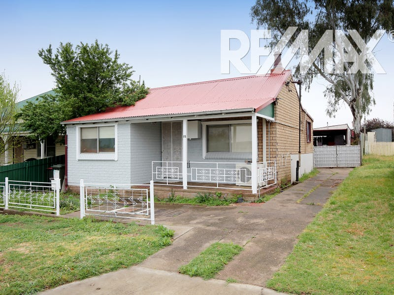 16 Crown Street, Junee, NSW 2663