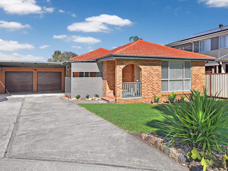 10 Isa Close, Bossley Park, NSW 2176