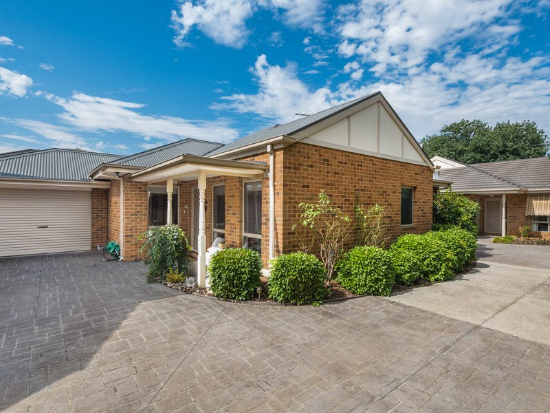 Unit 2, 15-17 Rodney Street, Gisborne, Vic 3437