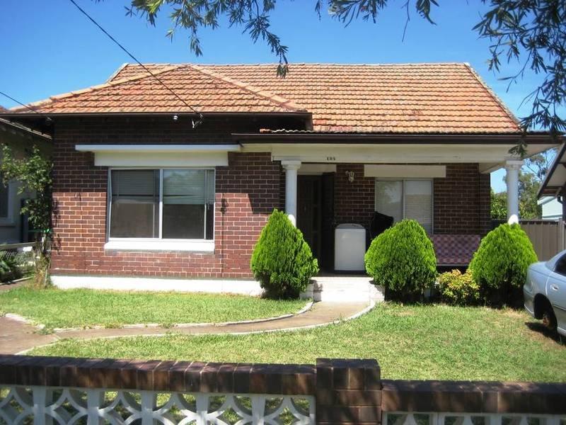 104 RESTWELL ST, Bankstown, NSW 2200