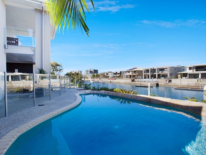 27 North Quay Drive, Biggera Waters, Qld 4216