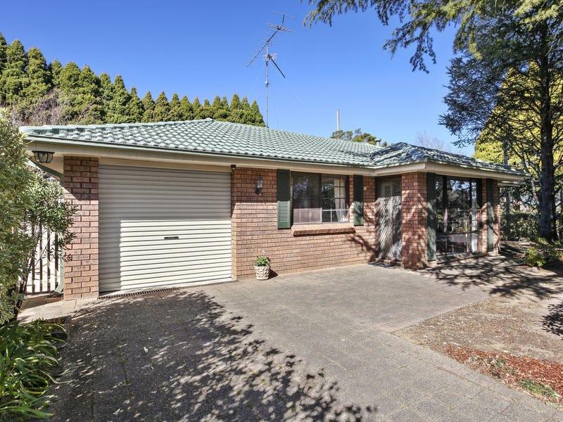 2 Lachlan Avenue, Leura, NSW 2780