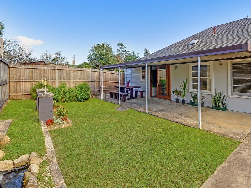 11 Glenview Road, Mount Kuring-Gai, NSW 2080