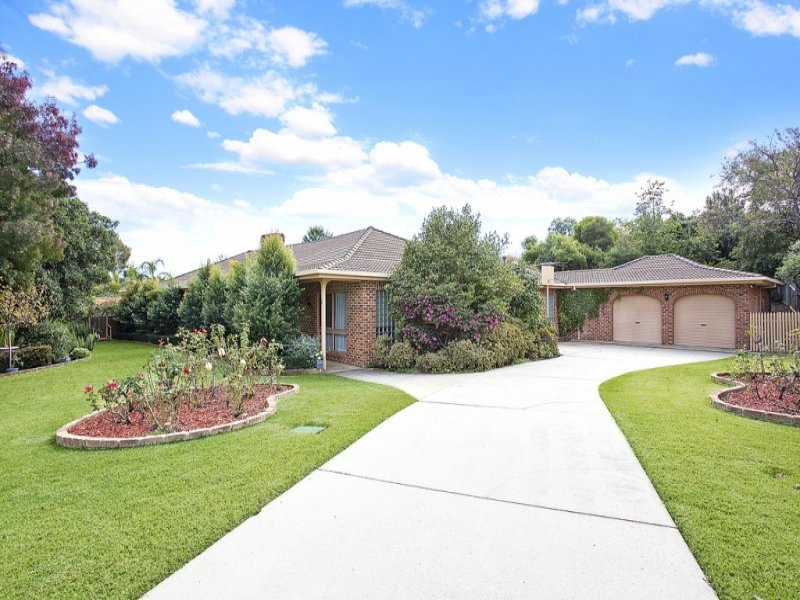 4 Southern View Court, West Albury, NSW 2640