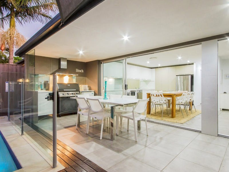 1 San Michele Court, Broadbeach Waters, Qld 4218