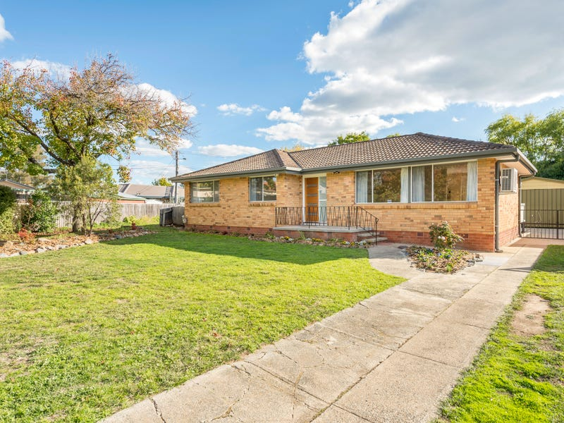 18 Powers Place, Latham, ACT 2615