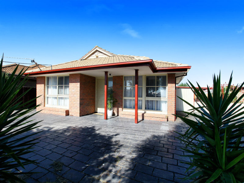122 Rokewood Crescent, Meadow Heights, Vic 3048