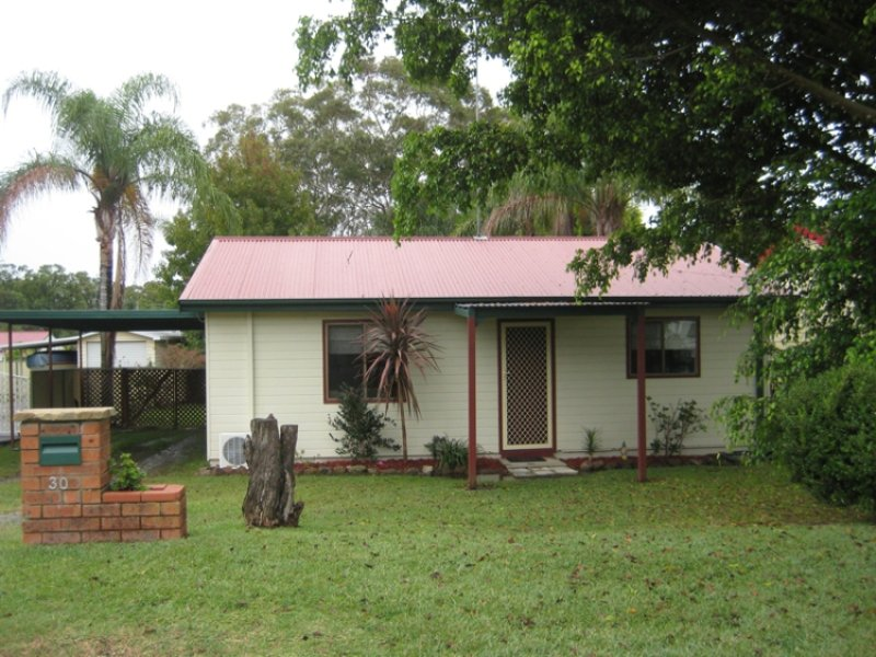 30 Campbell Parade, Mannering Park, NSW 2259