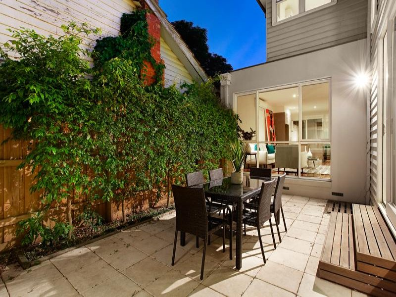 15 Beavers Road, Northcote, Vic 3070