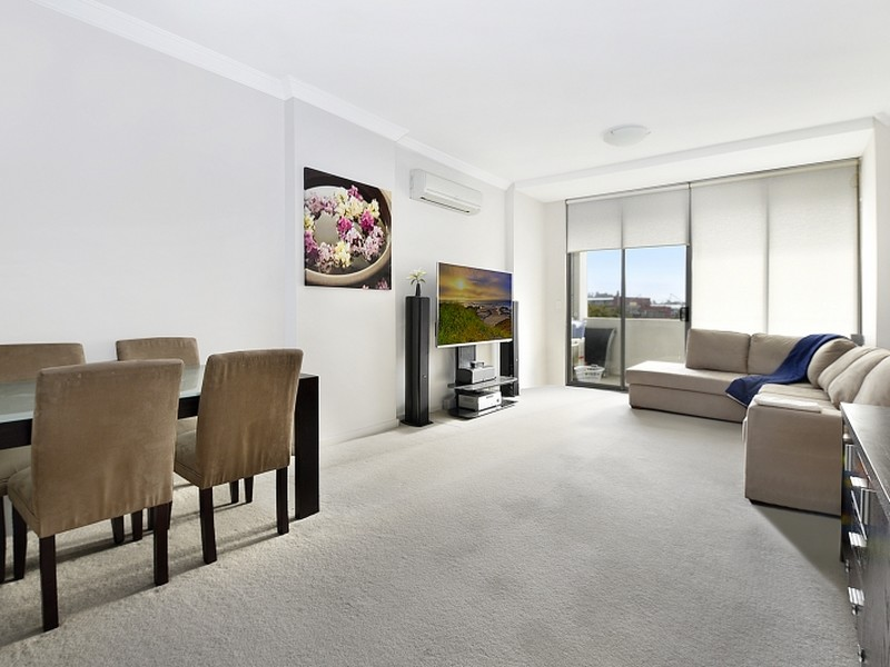 75/3-17 Queen Street, Campbelltown, NSW 2560