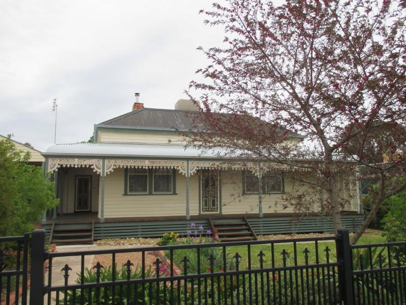 47 Bowen Street, St Arnaud, Vic 3478