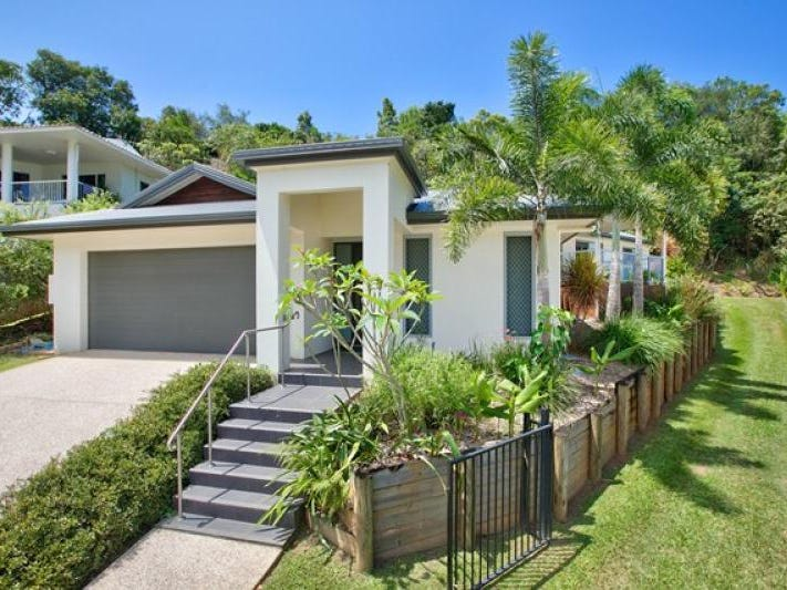 2 Robin Close, Bayview Heights, Qld 4868