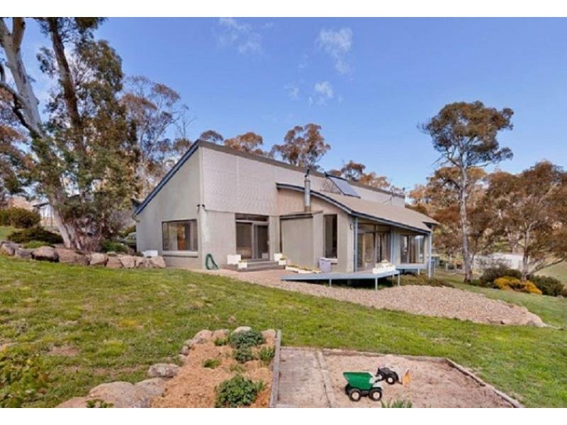 94 Chongs Road, Jindabyne, NSW 2627