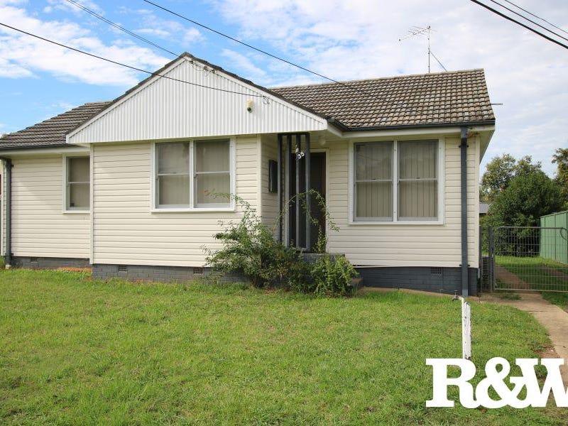 35 & 35A Feramin Avenue, Whalan, NSW 2770