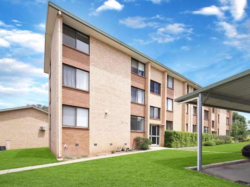 1/4 Walsh Place, Curtin, ACT 2605