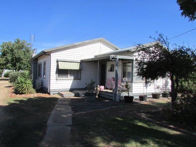 10 Gray Street, Donald, Vic 3480