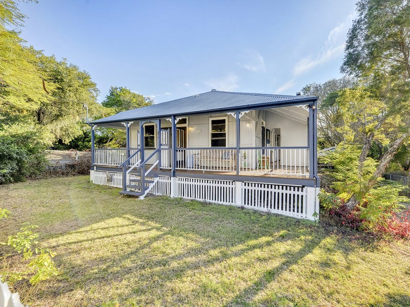 10 Saxelby St, East Ipswich, Qld 4305