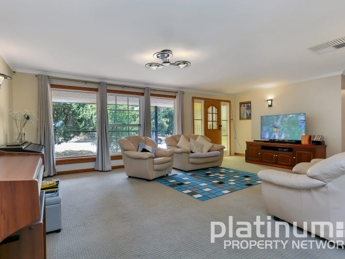 1b  Eva Avenue, Redwood Park, SA 5097
