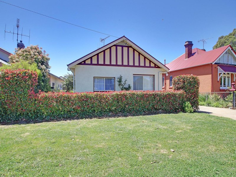 36 Marsden Street, Crookwell, NSW 2583
