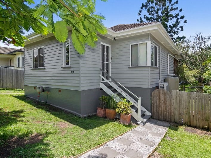 174 Macrossan Avenue, Norman Park, Qld 4170