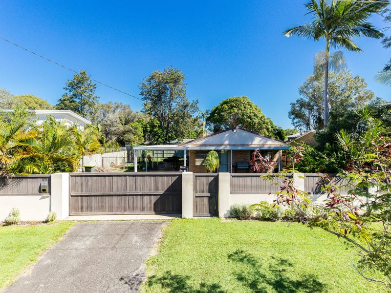 54 Lows Drive, Pacific Paradise, Qld 4564
