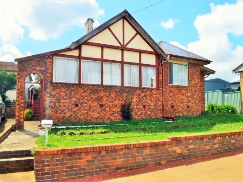 109 Bradley Street, Guyra, NSW 2365