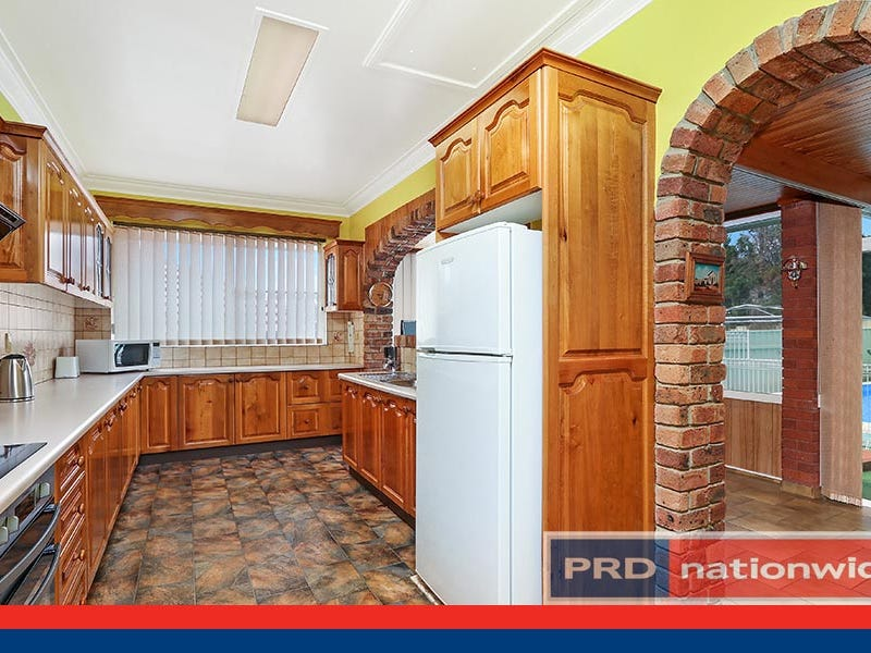 30 Clarke Street South, Peakhurst, NSW 2210
