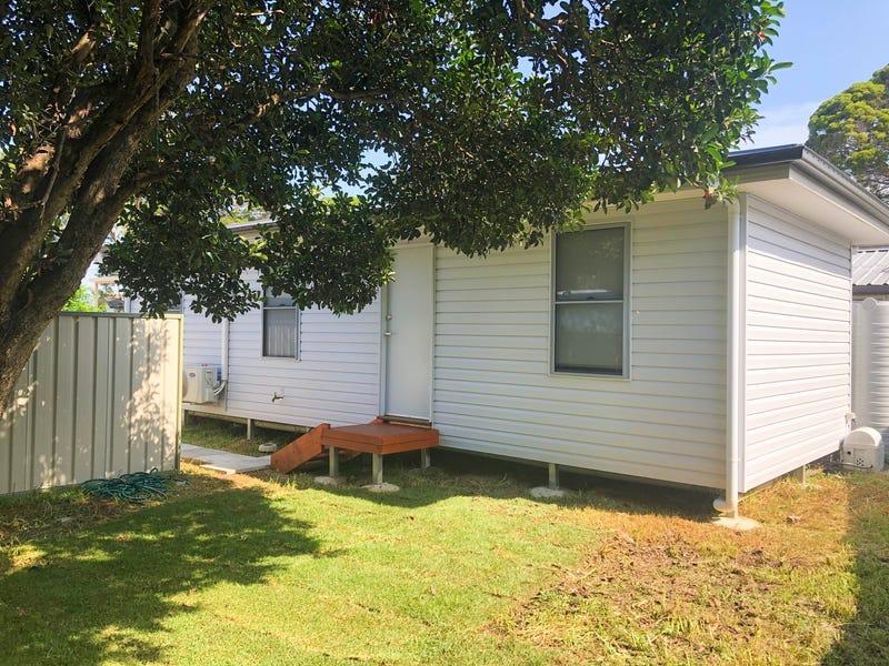 8a Tangaloa Crescent, Lethbridge Park, NSW 2770