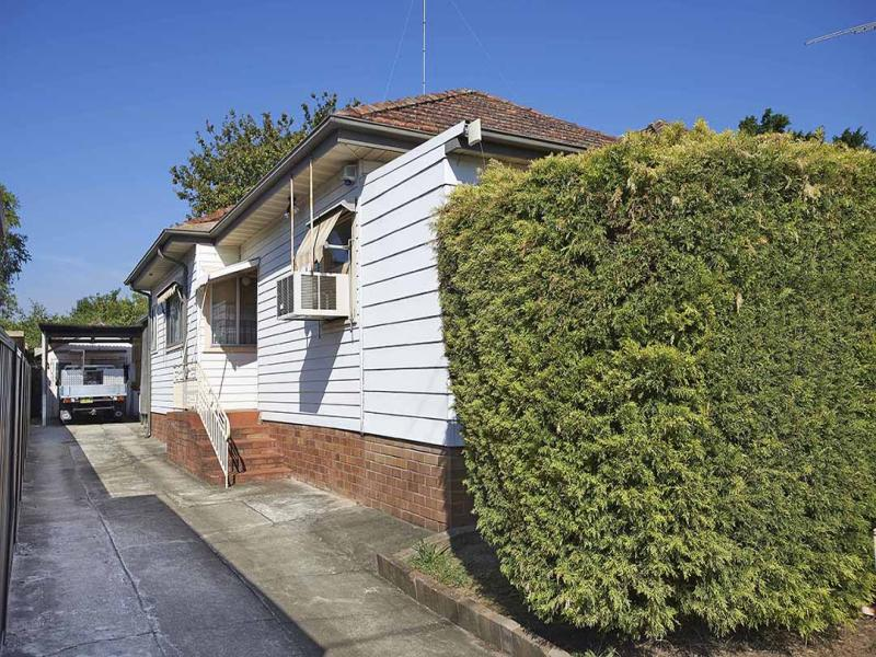 137 Great Western Highway, Mays Hill, NSW 2145
