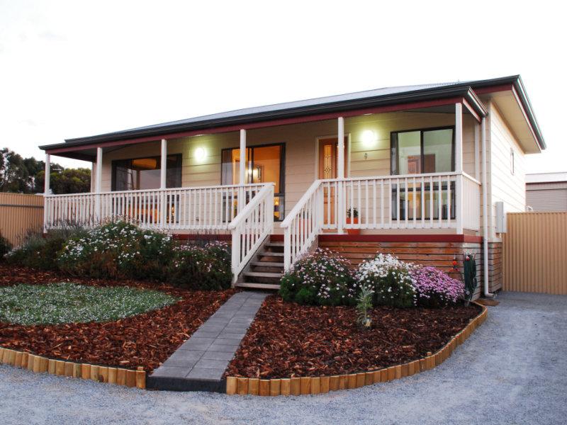 9 O'Loughlin Terrace, Port Neill, SA 5604