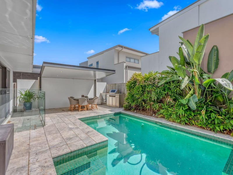 32 Waterline Crescent, Bulimba, Qld 4171