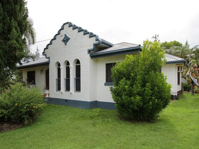 16 Clark Street, South Mackay, Qld 4740