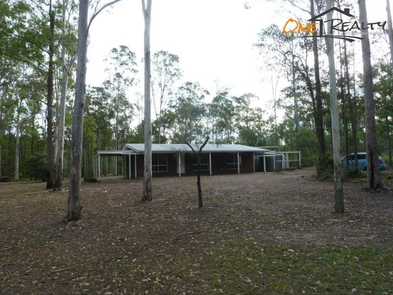 138 Five Mile Road East, Teddington, Qld 4650