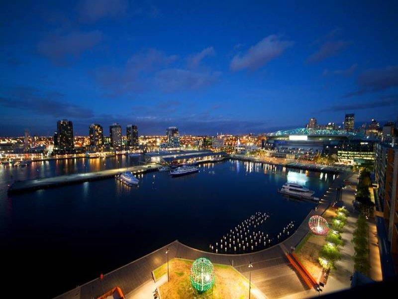 143/55 Victoria Harbour Promenade, Docklands, Vic 3008