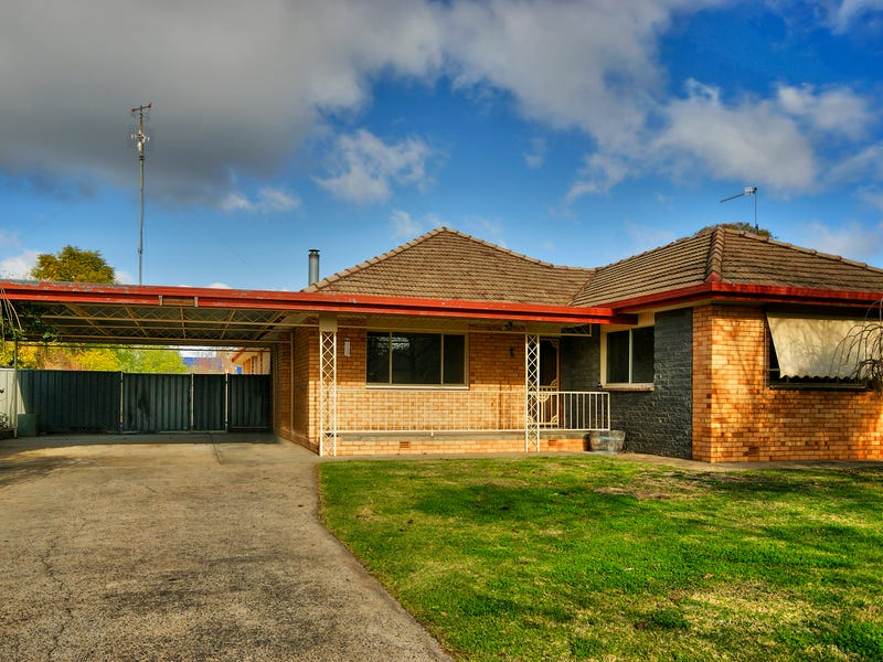 92 Hughes Street, Deniliquin, NSW 2710