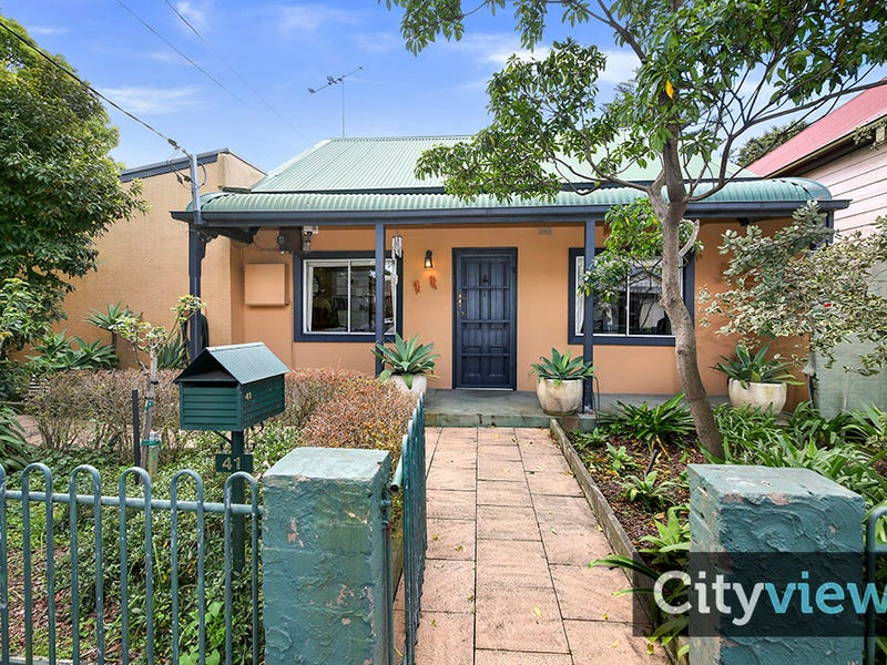 41 Roberts Street, St Peters, NSW 2044
