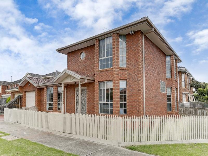 18 Overland Place, Keilor East, Vic 3033