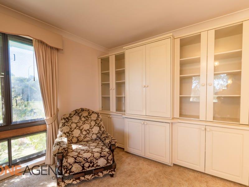 3 Tudor Place, Orange, NSW 2800