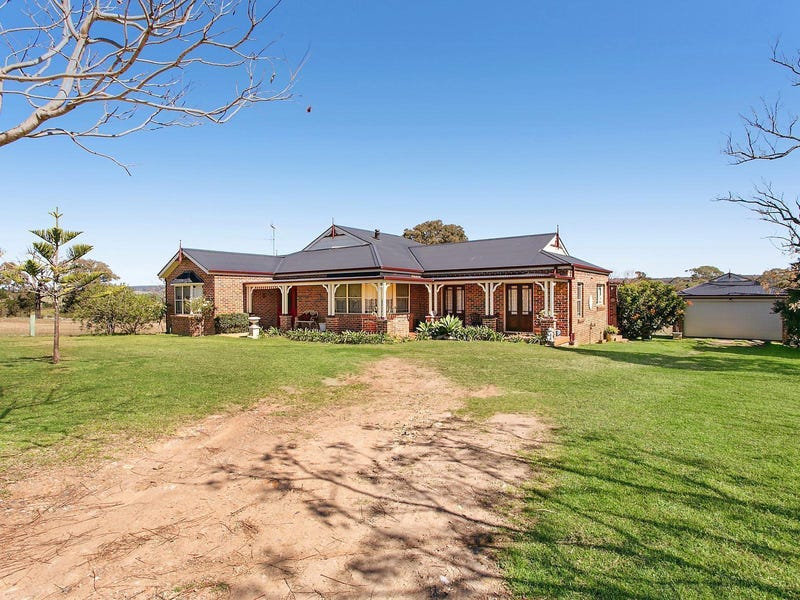 595 Montpelier Drive, The Oaks, NSW 2570