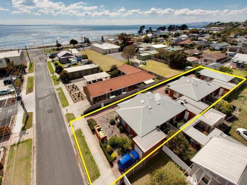 Units 1-5, 40 Bergin Grove, San Remo, Vic 3925
