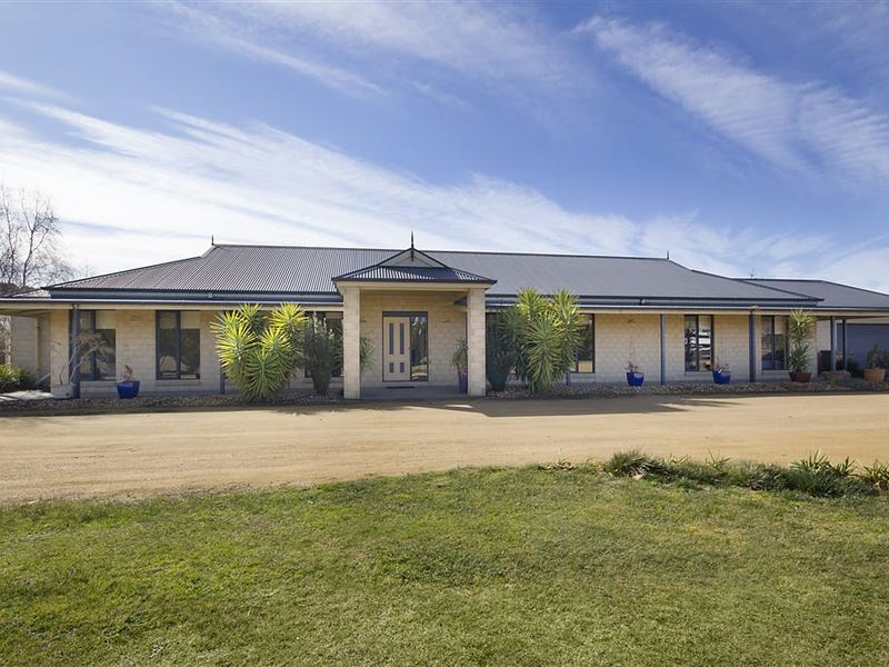 185 Bengworden Road, Bairnsdale, Vic 3875