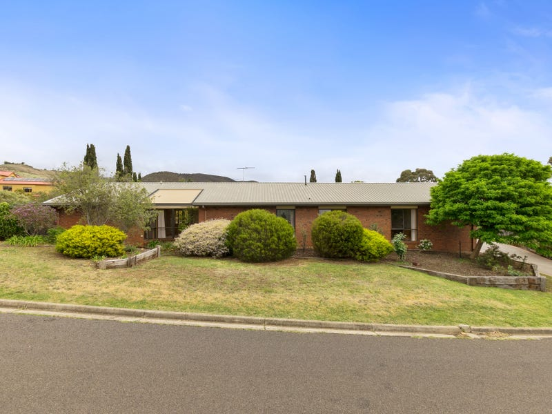 34 Links Road, Darley, Vic 3340