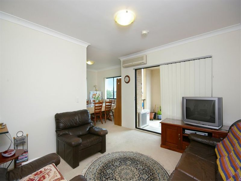 26/6-8 College Crescent, Hornsby, NSW 2077