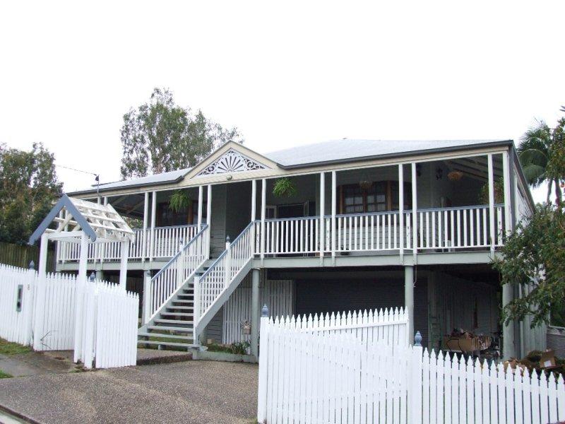 8 Princess Street, Camp Hill, Qld 4152