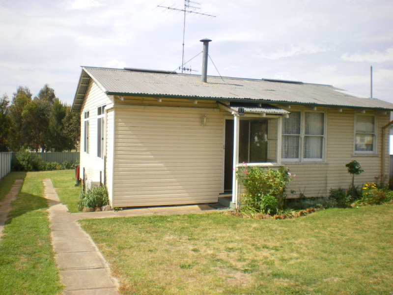 17 Churchill Street, Goulburn, NSW 2580
