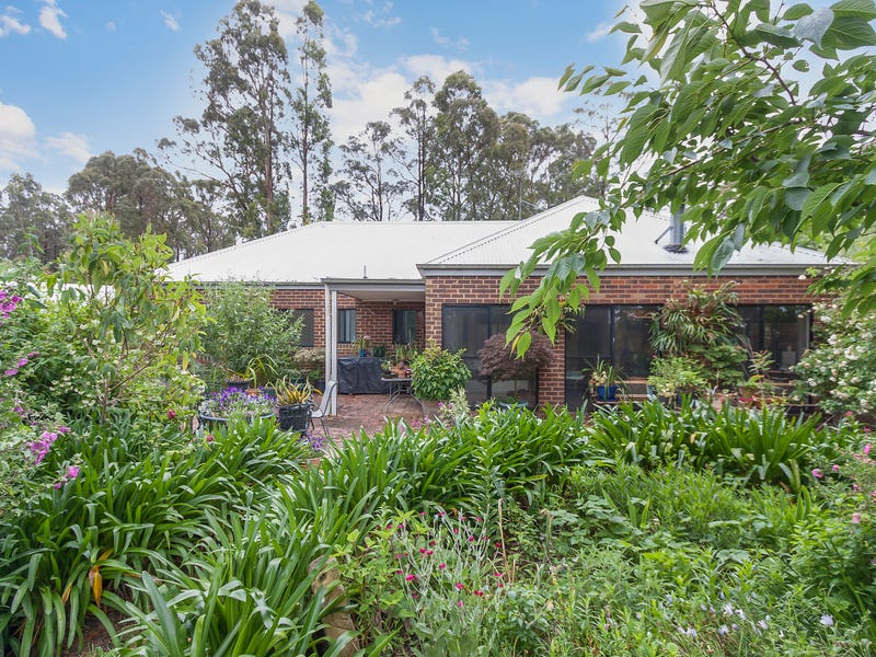 18 Ward Street, Kinglake, Vic 3763